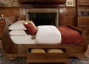 wooden-sleigh-beds-with-storage-drawers