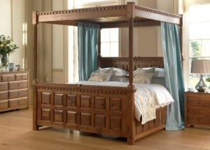 Antique Style Four Poster Bed
