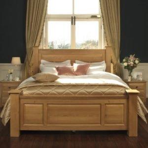 Traditional Solid Oak Bed Frame with Oak Bedside Cabinets