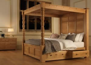 Oak 4 Poster with Full Headboard and Underbed Storage