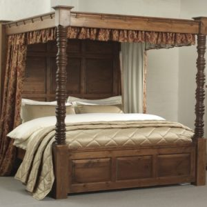 Traditional Dark Wood 4 Poster Bed