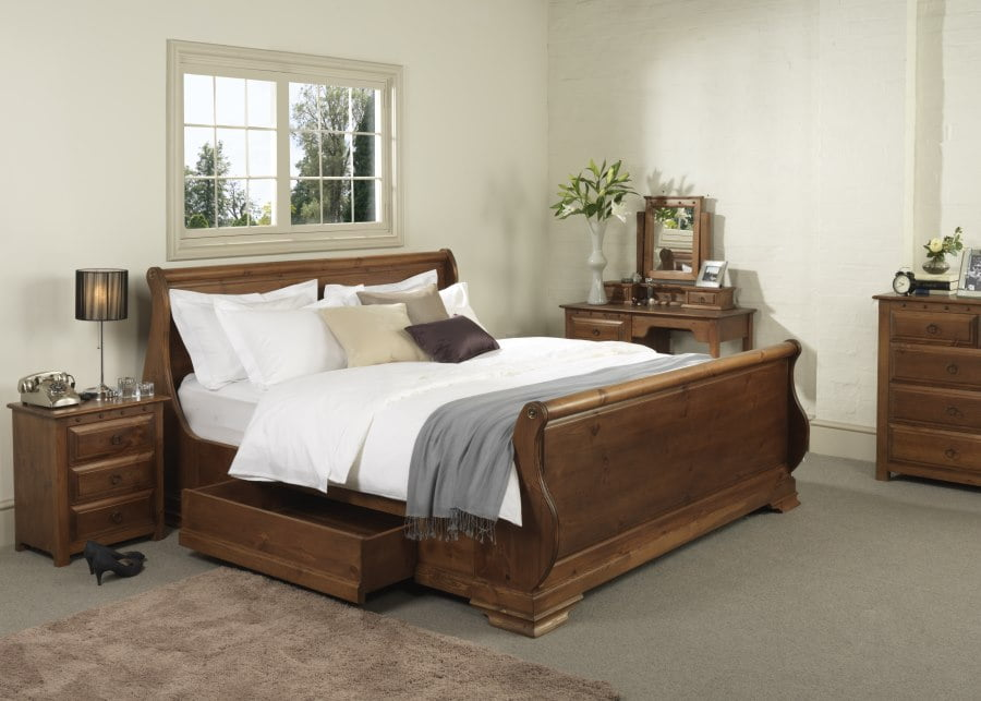 Wooden Sleigh Bed with Bedroom Furniture