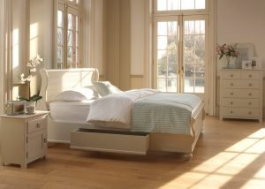 Painted New England Sleigh Bed with Bedroom Furniture