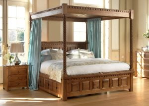 Traditional Four Poster Bed and Bedroom Furniture