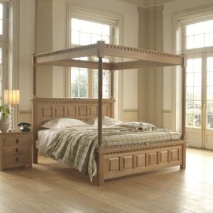 Traditional Solid Oak Four Poster Bed with Bedside Cabinet