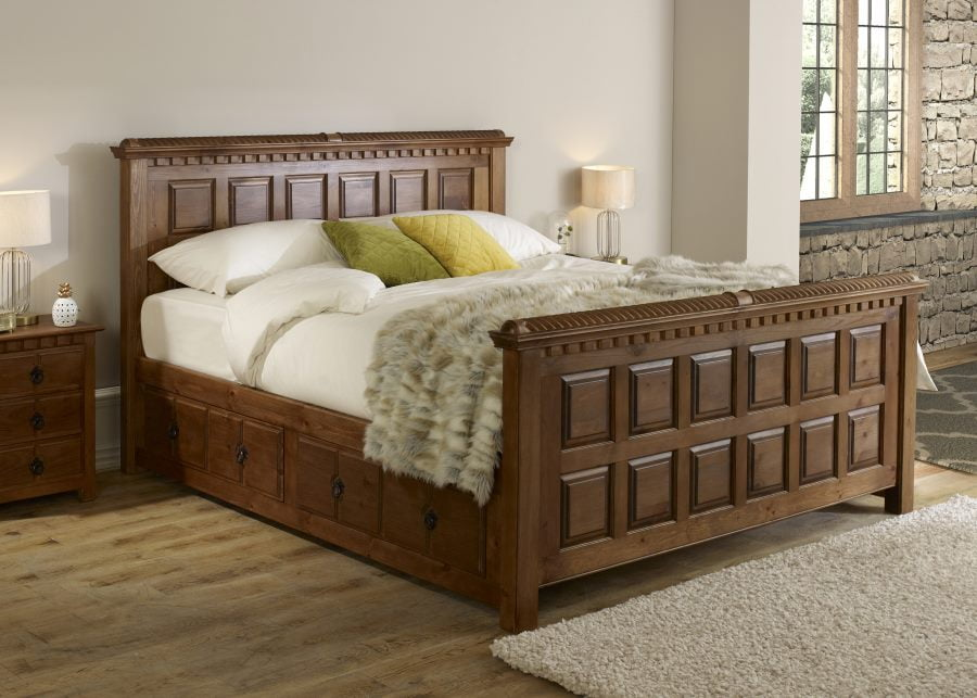 Traditional Super Kingsize Wooden Bed with Bedside Cabinet