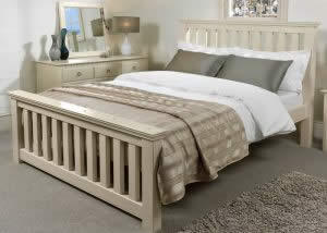 Painted Slatted Bed with Chest and Mirror