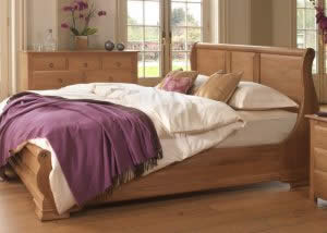Oak Panelled Sleigh Bed and Traditional Furniture