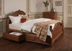 Wooden French Style Bed with Storage Drawers and Chest