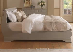 Painted Sleigh Bed with Painted 9 Drawer Long Chest