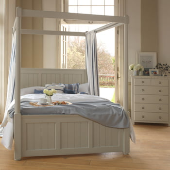 New England Four Poster Bed
