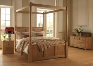 New England Four Poster Bed with 7 Drawer Long Chest and Bedside Cabinet