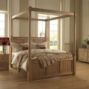 New England Four Poster Bed in Solid Oak with Bedside Cabinet and Chest