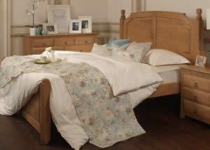 Oak Hand Crafted Bed with Oak Furniture and Bedding