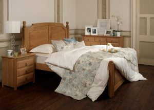 Traditional Oak Bed
