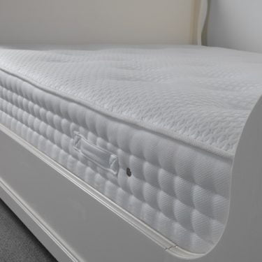 Memory-Foam-and-Pocket-Sprung-Mattress