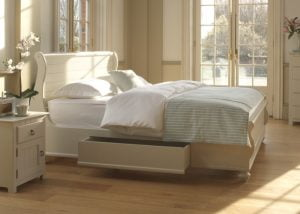 Painted Sleigh Bed and Underbed Storage Drawers and Bedding