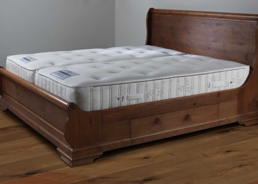 Pocket Sprung Mattress on Wooden Bed