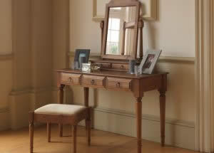 Traditional Dressing Table Mirror and Stool