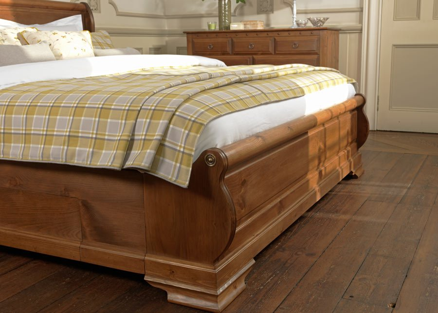 Wooden Sleigh Bed Footboard