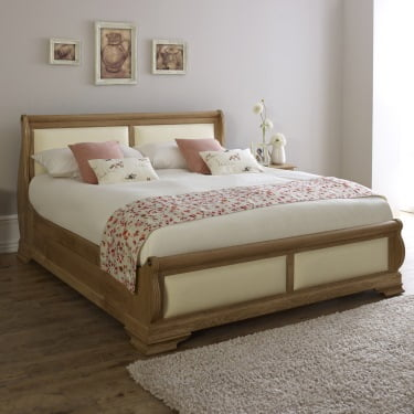 Super Kingsize Oak Sleigh Bed with Cream Leather