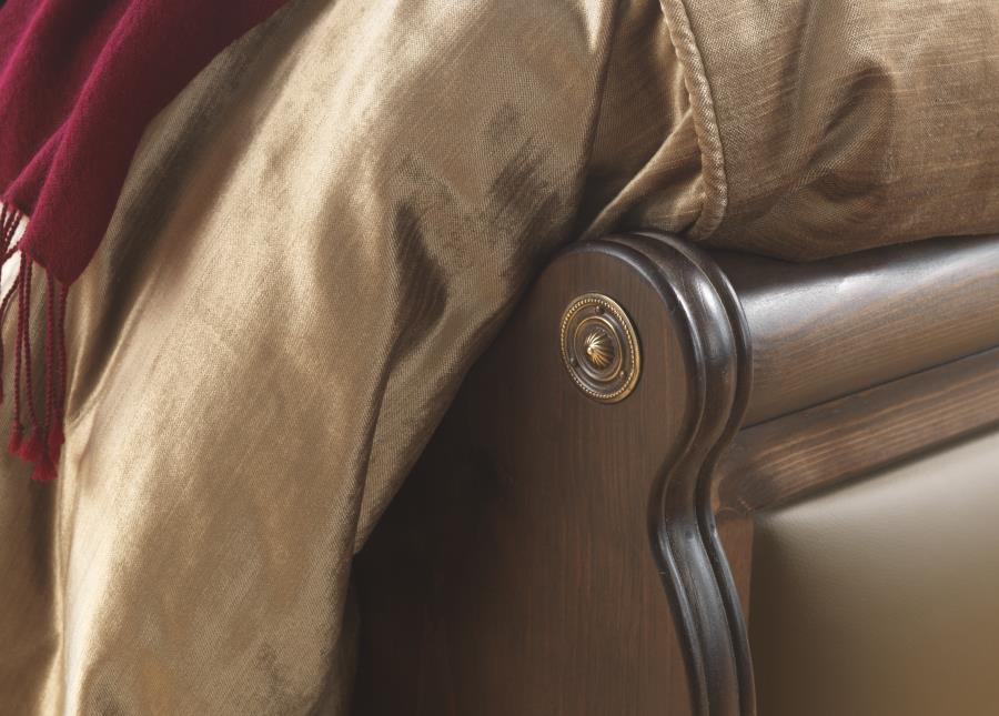 Amalfi Sleigh Bed Footboard Detail
