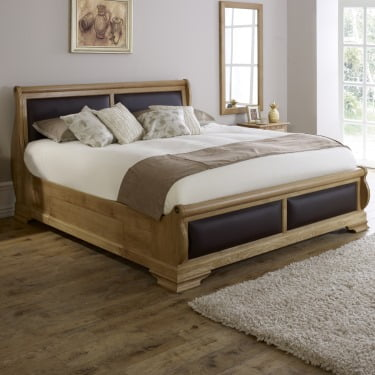 Oak Sleigh Bed with Chocolate Leather
