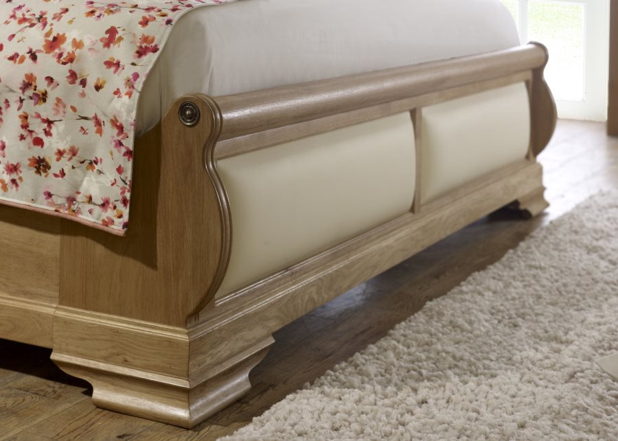 OaK Sleigh Bed Footboard with Cream Leather