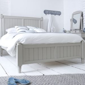 King-Size Painted New England Bed