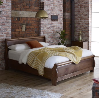 Metropolitan Style Solid Wood Sleigh Bed