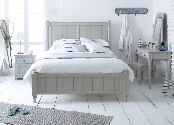 Painted New England Shaker Bed