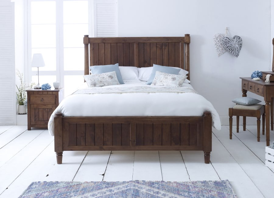 New England Style Shaker Bed in a Natural Wood Finish