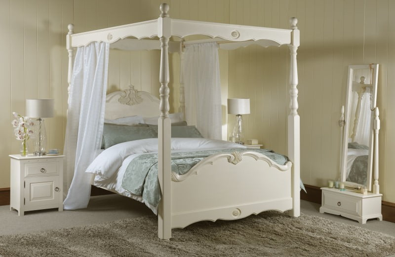 How Does A Four Poster Bed Improve Your Bedroom Revival Beds