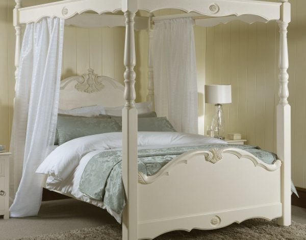 Romantic Style Painted Four Poster Bed