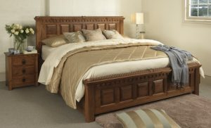 Traditional Style King-size Solid Wood Bed with Bedroom Furniture