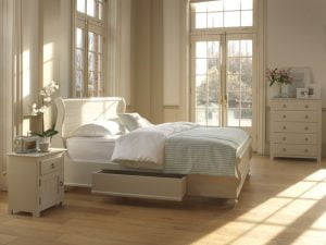 New England Sleigh Bed with Painted Bedroom Furniture