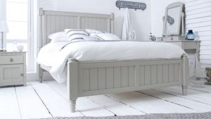 New England Painted Wooden Bed
