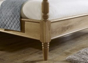 Pencil Bed Post Detail in Solid Oak